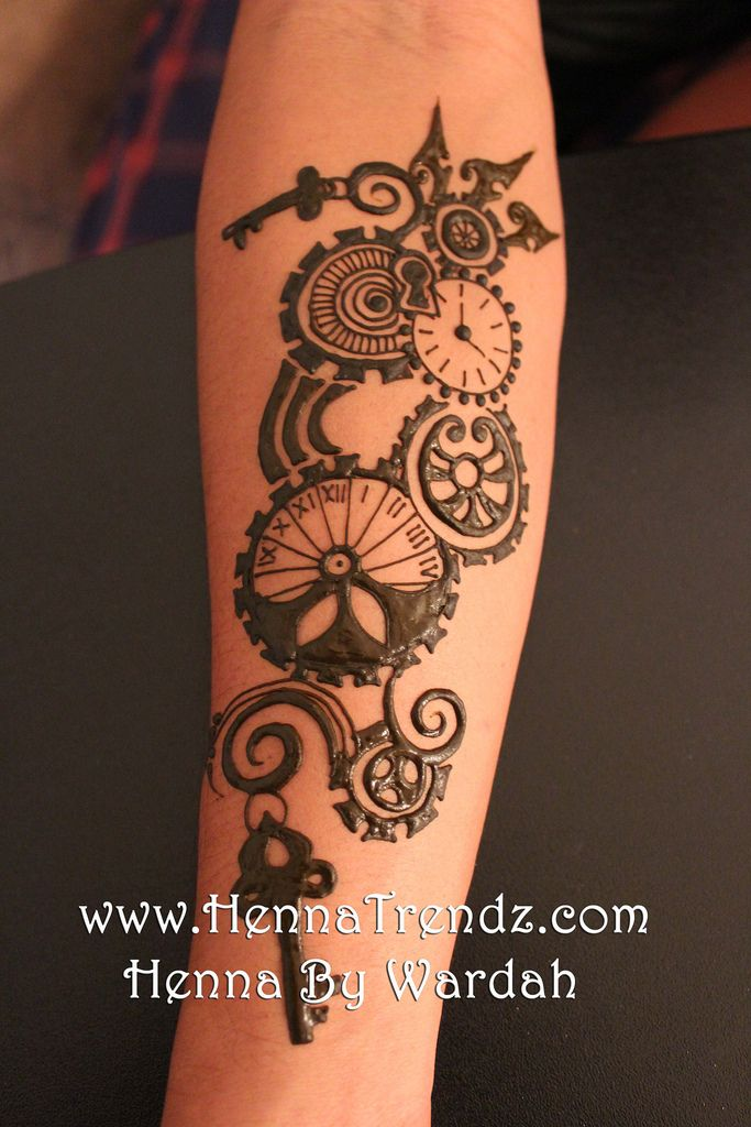 Henna for men. Love the steam punk theme of it.