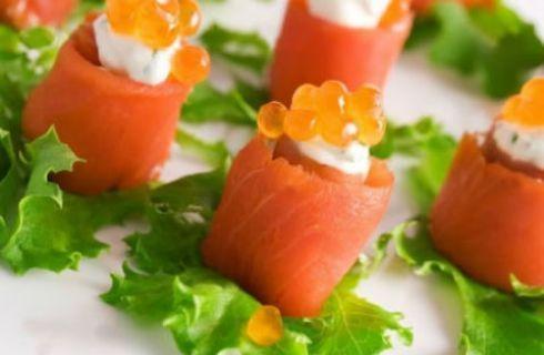 Belli da vedere e buonissimi da mangiare, i finger food a base di pesce sono perfetti per la tavola dell'estate. Scopri le gustose ricette per prepararli!