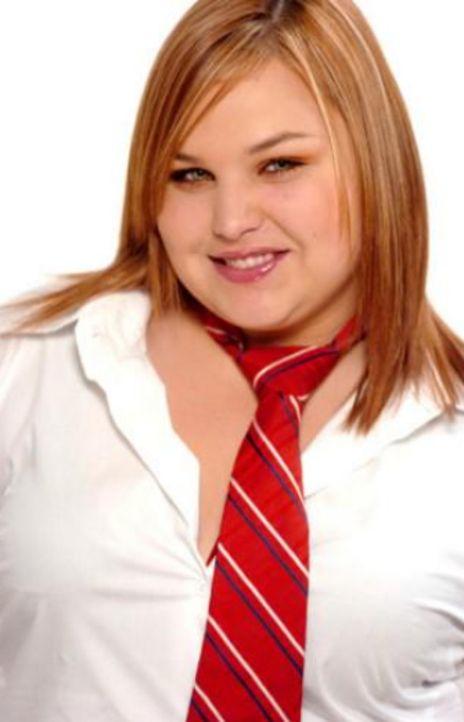 Origen y el personaje que la hizo famosa - Estefanía Mariana Villarreal Rivera nació el 11 de marzo de 1987 en Monterrey, Nuevo León. Debutó en televisión en la telenovela 'Carita de ángel' en el año 2000. Pero fue en el 2004 cuando trabajó en la producción Rebelde interpretando el personaje de Celina Ferrer cuando alcanzó la fama.