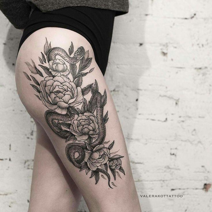 Tattoo done by: @valerakottattoo #rosetattoo #attoo #tatuaje #Snake #snaketattoo