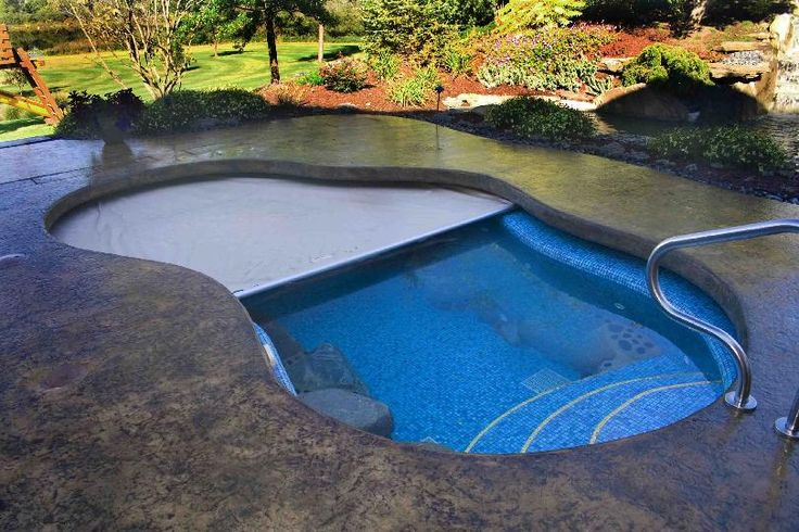 Extreme Cantilever Automatic Pool Cover