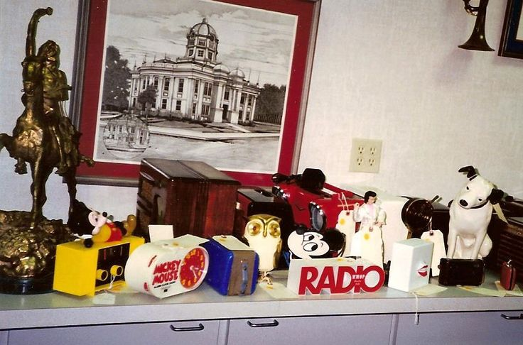 Various Novelty sets. (Elvis, Mickey Mouse, etc)