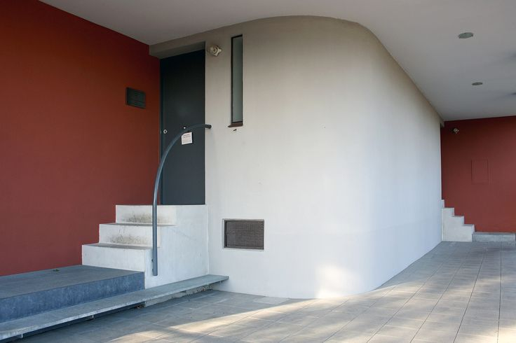 https://flic.kr/p/pdpzAE | Le Corbusier, Pierre Jeanneret twin house, Stuttgart 1927 | photographed by Frank Dinger  BECOMING - office for visual communication www.becoming.de www.twitter.com/becoming_blog pinterest.com/bcmng/ www.instagram.com/bcmng  facebook: Becoming office for visual communication