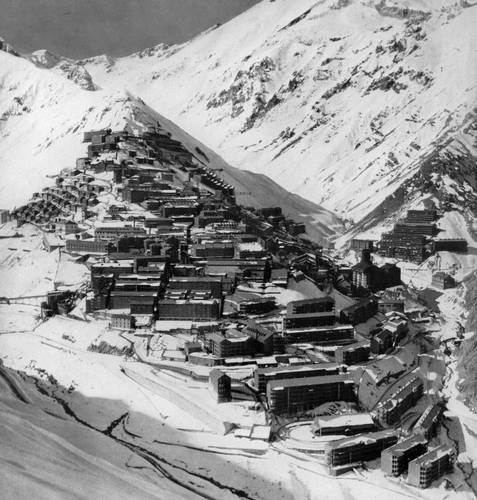 Sewell, Chile: Winter view, date unkonwn