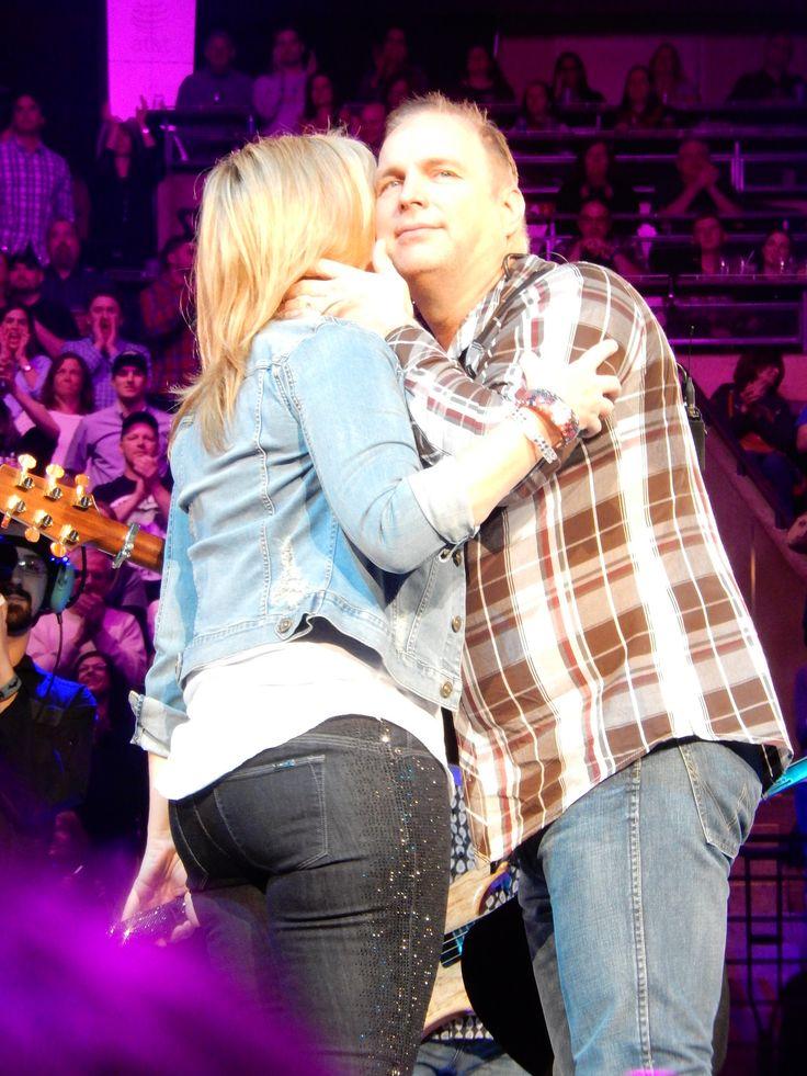 542 best Omg... Garth Brooks.. Mercy!! images on Pinterest | Garth ...