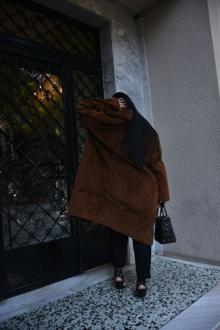 TEDDY BEAR COAT BY H&M UNDER 150 $ , OUTFIT INSPIRATION BY FASHION BLOGGER