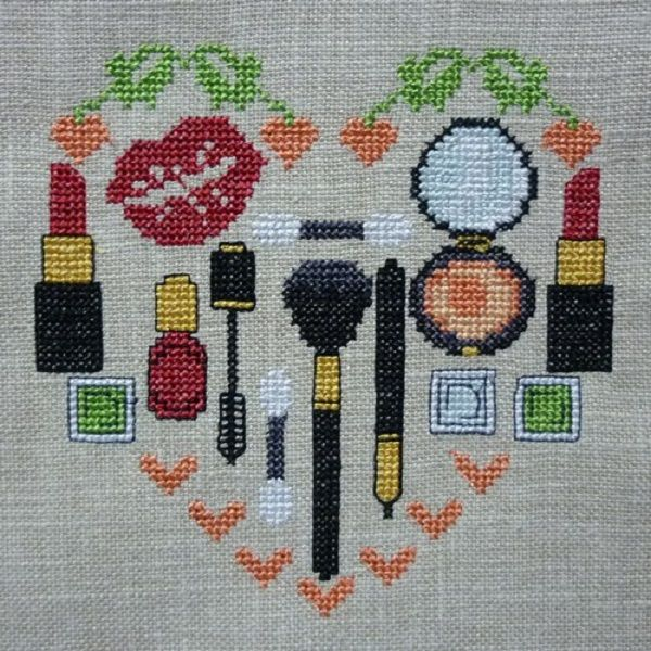 0 point de croix coeur maquillage - cross stitch make-up heart