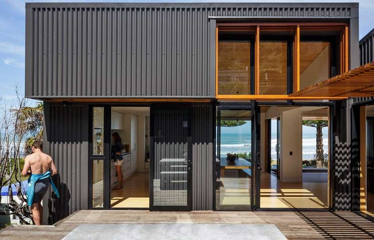 A modern beach house informed by an old shed | Habitusliving