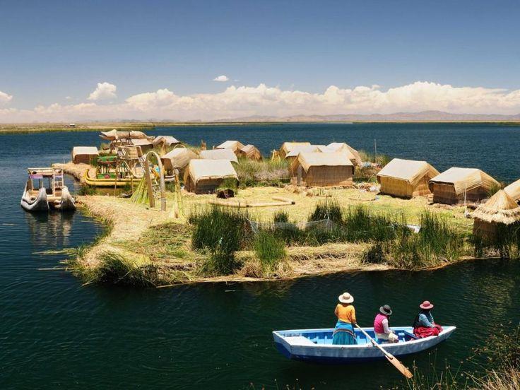 Lacul Titicaca, America de Sud este unul din cele 30 locuri incantatoare ale acestui articol pe care trebuie sa le vezi cel putin o data in viata. Macar in poze!