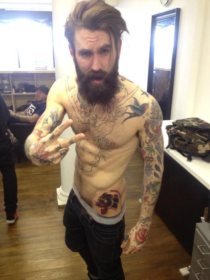 Barbudo tatuado: Ricki Hall | Tinta na Pele