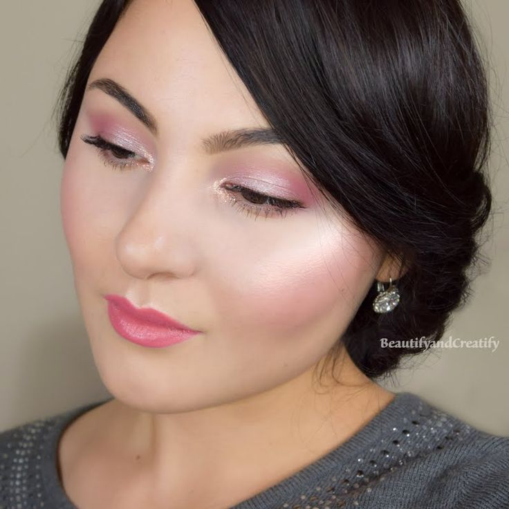 Delia creates the perfect base for this radiant and romantic look using her skin care essentials from Julep #BravePretty. The JULEP K-Beauty skincare trio is only available until January 30th at Ulta. Products were gifted as part of the Preen.Me VIP program together with JULEP.