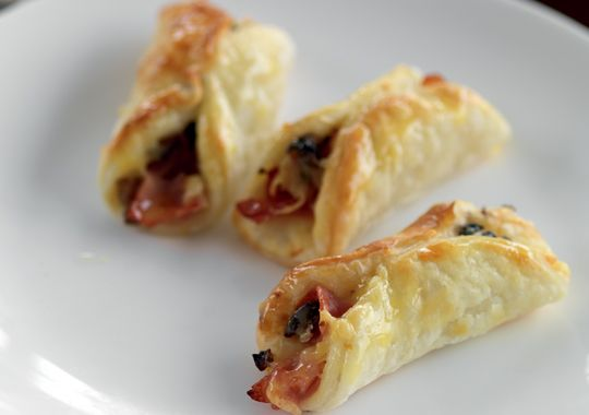 These Ham and Mushroom puffs make great lunchbox fillers.