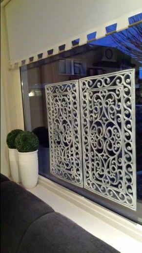 Mooie raam/vensterbank deco van rubbermatten