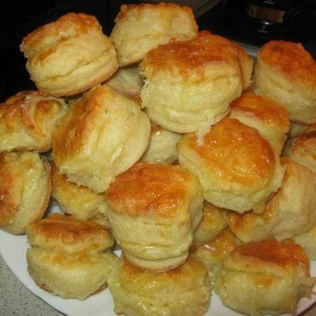 Egy finom Pogácsa gouda sajttal ebédre vagy vacsorára? Pogácsa gouda sajttal Receptek a Mindmegette.hu Recept gyűjteményében!