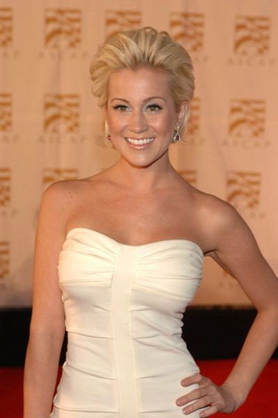 Kellie Pickler Pictures, News, Gossip & Rumours - AskMen