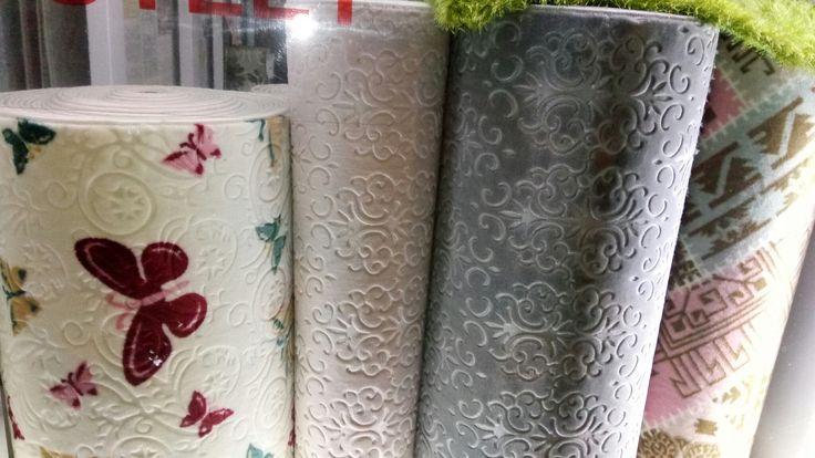 Kaymaz yolluk ve halı modellerinde süper yumuşak dokusu ile Akrilik iplikler ile dokunan Roselandhali.com Roseland Halı.