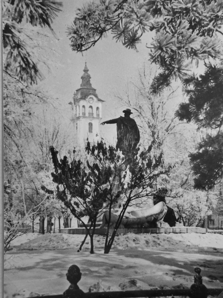 Vásárhelyi Pál szobra a Széchenyi-téren 1961