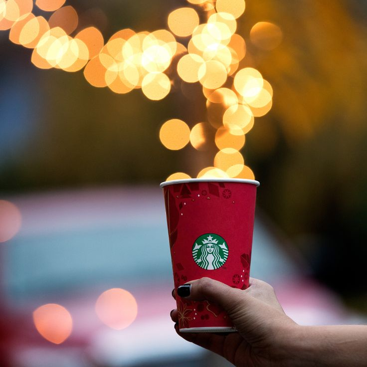 Perfect timing for a little joy. #sharejoy #redcups