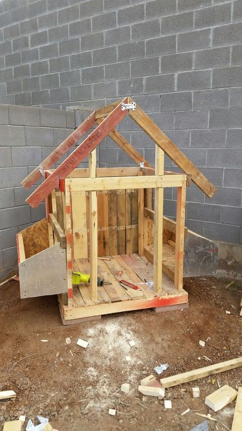chicken coop out of pallets