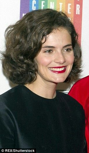 No, this is not Jacqueline Bouvier Kennedy, but her granddaughter Rose Schlossberg.