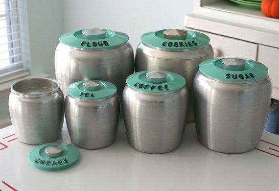 Kromex canisters set in Aqua, I scored from the Hell's Kitchen Flea Market in NYC. My set has the cake tin, but I'm missing the Cookie and Flour jars.
