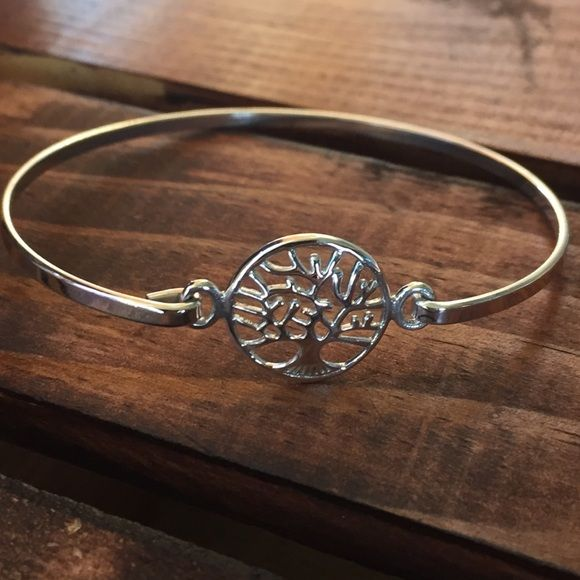 Tree Of Life Bracelet Clip on .925 Sterling Silver Tree If Life Bracelet Clip on .925 Sterling Silver. One size fits most. New with gift bag included. Jewelry Bracelets