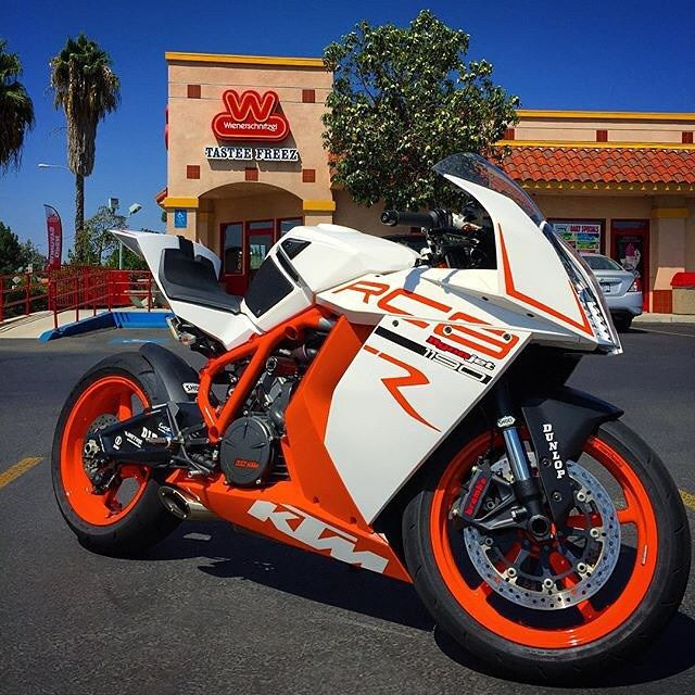 @944carguy | #RC8 Follow @petrolheadz our affiliate feed showcasing the finest rides on Instagram ______________________________ Facebook/Bikersofinstagram Twitter/Bikersofinsta ____________________________ Tag your pics and videos with #bikersofinstagram for a chance to be featured. #petrolheadz #truehonor #motorbike #motorcycle by bikersofinstagram