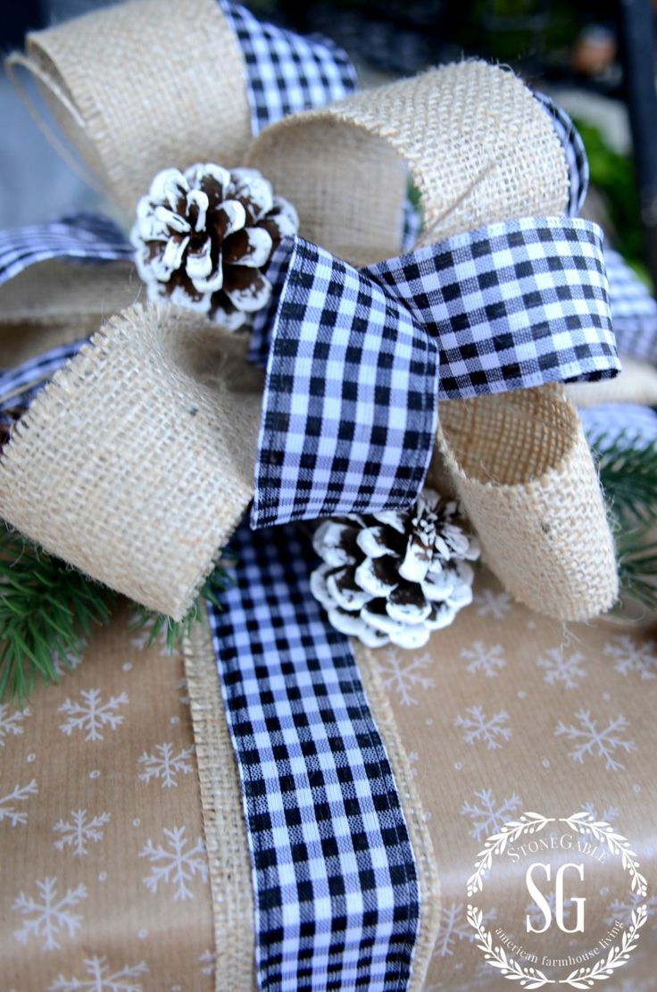 CHRISTMAS GIFT WRAP- tips for wrapping beautiful gifts the easy way!!! stonegableblog.com