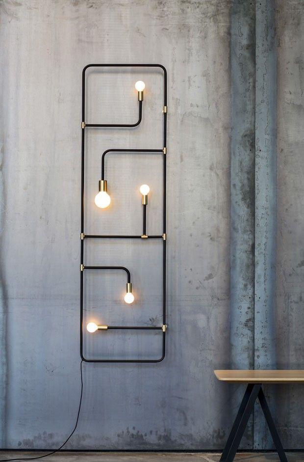 O estúdio de design luminotécnico Lambert & Fils possui sede em Montreal e foi fundado em 2010 por Samuel Lambert.