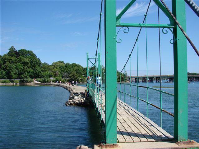 York Maine vacation = Wiggly Bridge