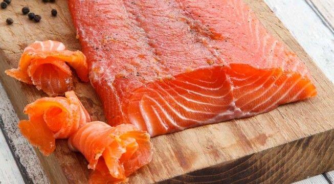 Salmone marinato al miele d'acacia | Alice.tv
