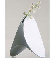 Luna Vase by Eero Saarainen 130$ #blanc #100-300 #ceramique #industriel