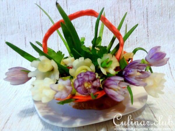Цветы из мелкого лука (украшение блюд)