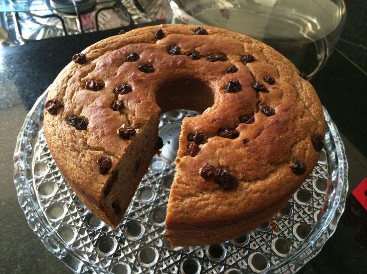 Hoje, vou compartilhar com vocês essa receitinha de bolo de banana sem glúten, sem lactose e sem açúcar. Ingredientes –...