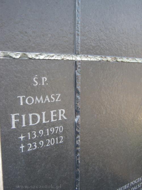 Tablica nagrobna - czarny granit antykowany