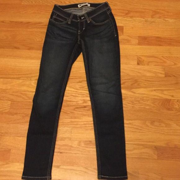 Levi skinny jeans Levi's Bold curve low rise skinny jeans. 0 short. Never worn. Dark blue Levi's Jeans Skinny