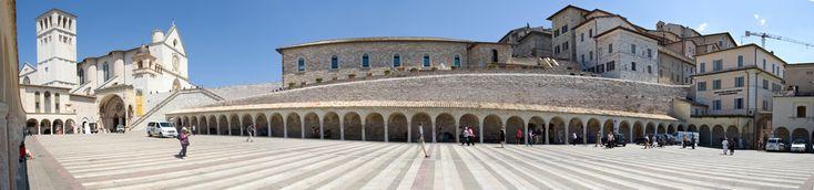 https://flic.kr/p/5cmHXF | Panoramica Assisi - Umbria - Italia | Esta obra está bajo una licencia de Creative Commons.