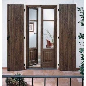 Finestra con antoni in legno. Per riprodurre fedelmente i vari sistemi di chiusura e le antiche forme regionali di oscuramento. #legnopiuingegno #arredamento #mobilisumisura #mobiliinlegno #porte #ante