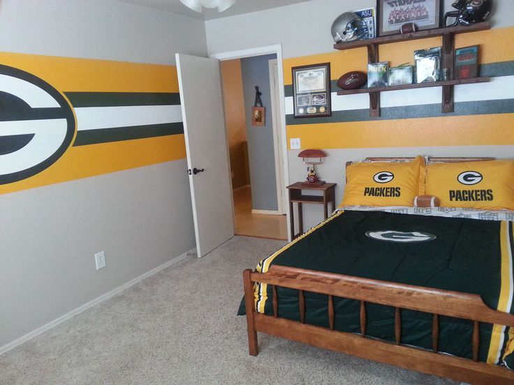Captivating Green Bay Packer Bedroom