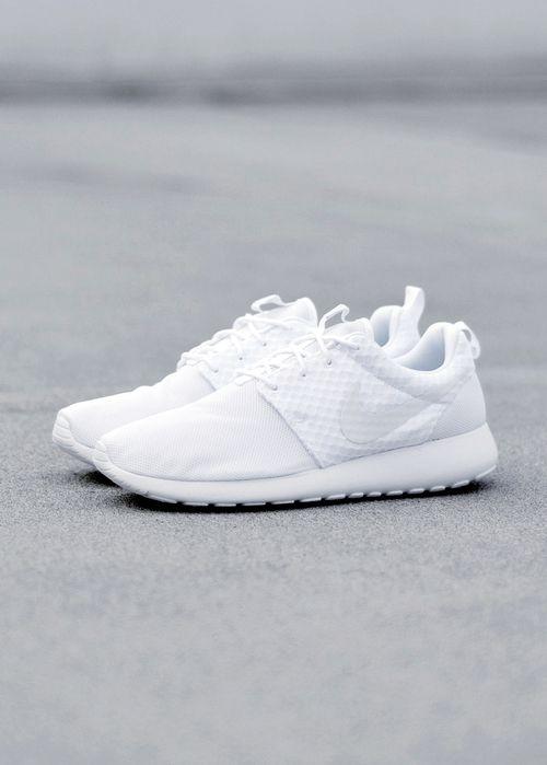 get nike roshe run white sneakers 0489f a6276
