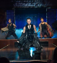 """""""Magic Mike,"""" With Channing Tatum, Draws Gay Men"""" - @nytimes And in other news, the sky is blue."""