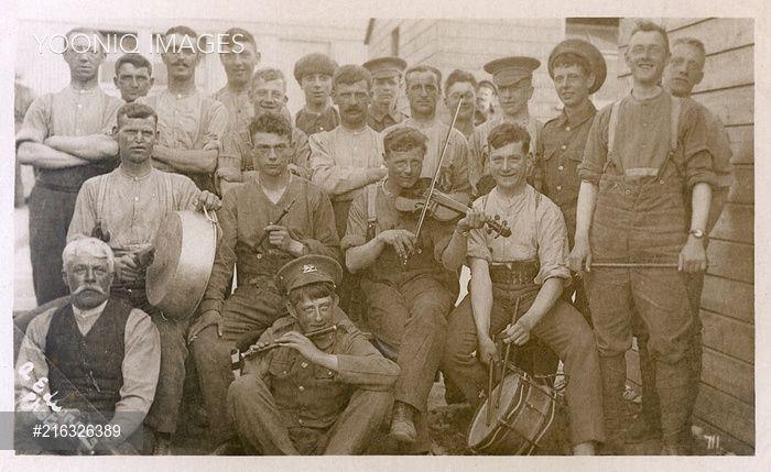 Group photo, British regimental band, WW1