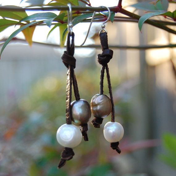 leather and pearl earrings ~ how simply + beautiful.