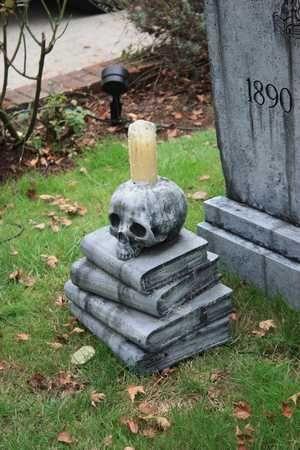 davis graveyard {2010}  @ www.davisgraveyard.com
