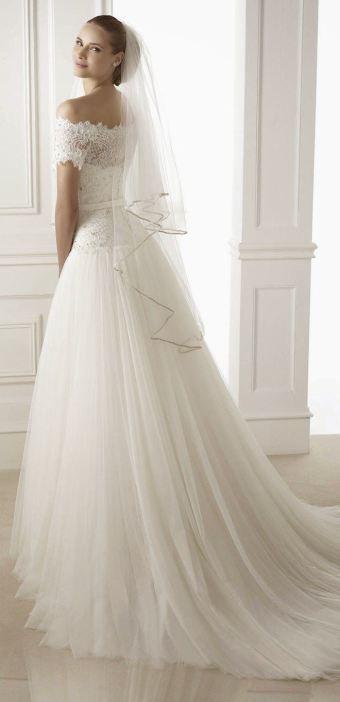 Forårsbryllup brudekjole Pronovias 1