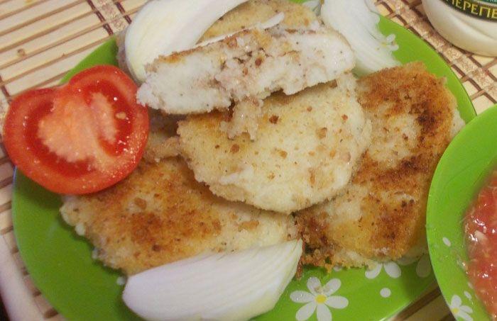 Картофельные зразы - это котлетки с сюрпризом внутри, которые обожают взрослые и дети. Одним блюдом можно накормить семью три раза в день. На завтрак приготовить с яичной начинкой, на обед – с фаршем,...