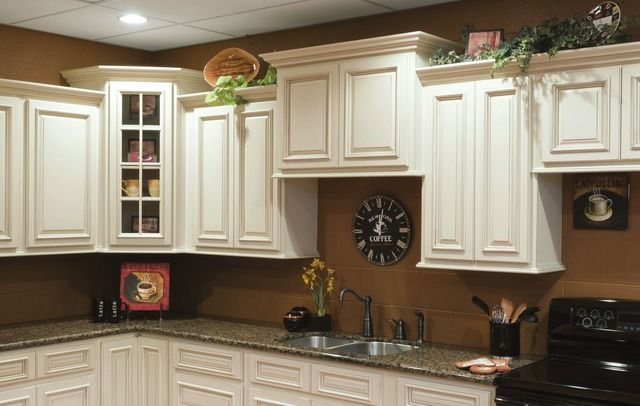 Images cabinets ctrfc heritage white img1 jpg kitchen white cabinets