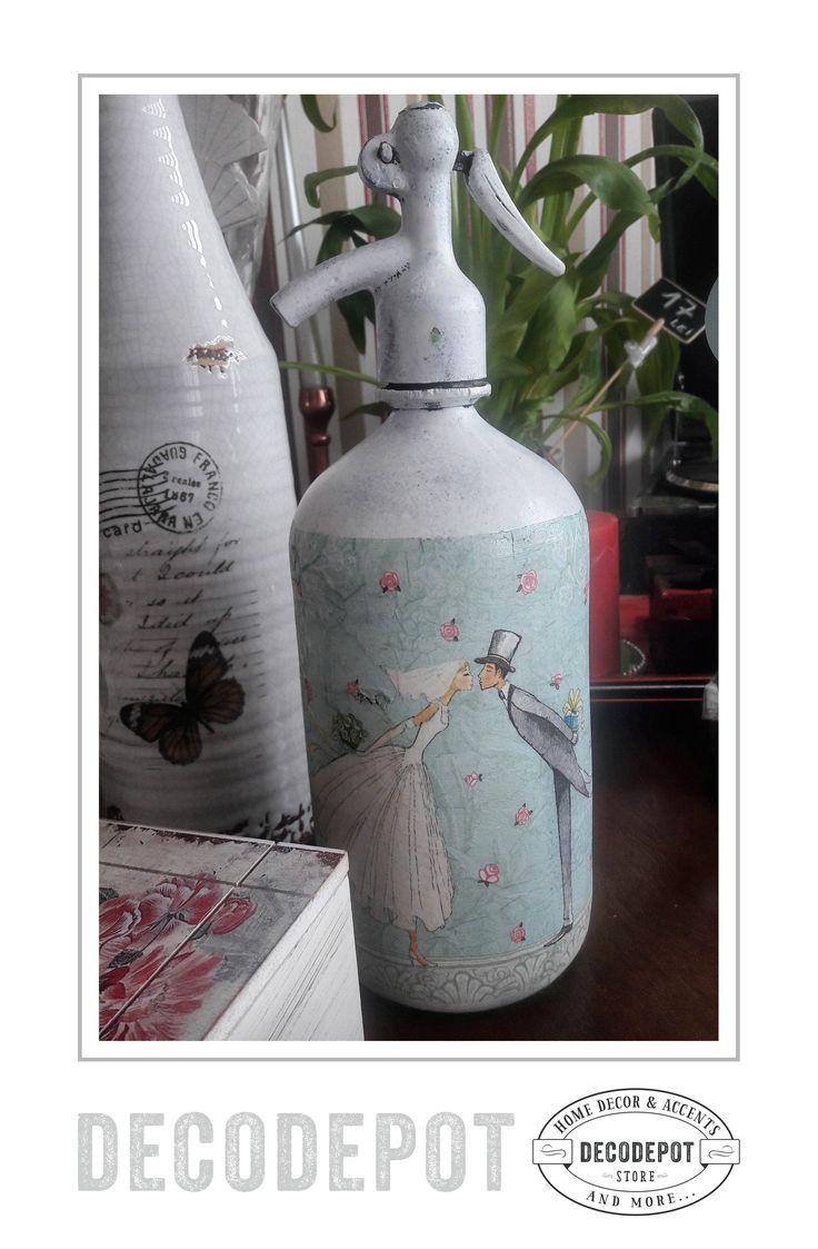 Sifon tematic din metal pictat cu un cuplu în ziua nunţii. Decorativ. Chiffon bottle. Thematic. Painted. Wedding couple. Cute. Decorative. DecoDepot. Braşov. România. Shop Online.