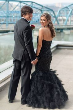Prom Poses on Pinterest | Prom Pics, Prom Picture Poses and Prom ...