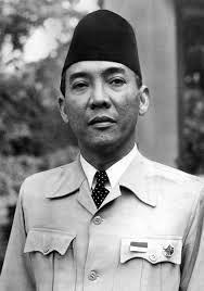 dit is Soekarno, hij was de 1e president van de Republiek Indonesië.